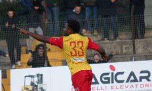 Doppio Dos Santos regala 3 punti al Francavilla: battuto il Castelfidardo